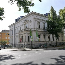 Coworking Space: old, prestigious and renovated townhouse - TechCode Potsdam