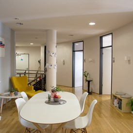 Coworking Space: Feelgood Workspace