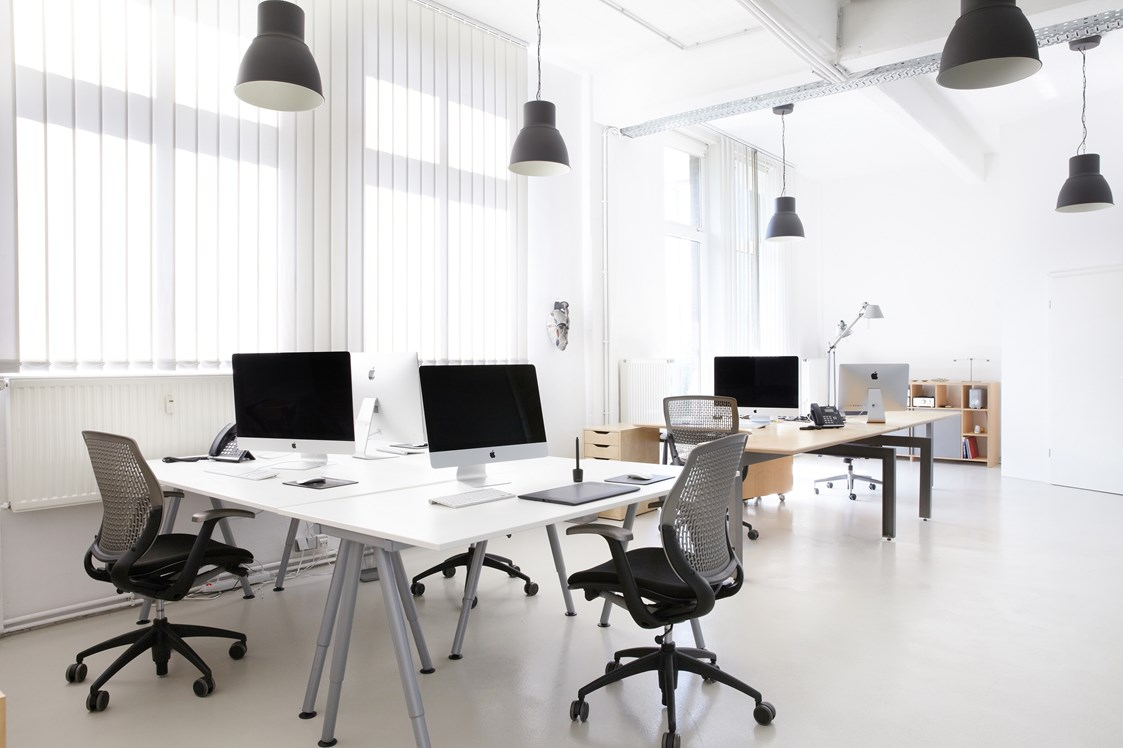 Coworking Space: Production Office / Share office - Yakeu Co-Working-Space